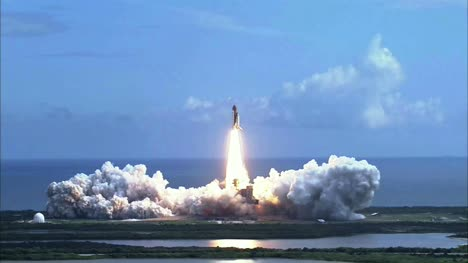 Space-Shuttle-Launch-Wide-View